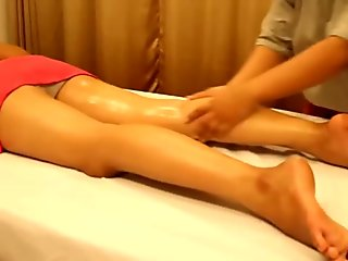 Lotion Massage To relaxing Back pain and Stress