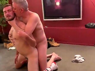 3 Guys 1 Hairy Hole