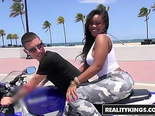RealityKings - Round and Brown - (Nina Rotti,Tyler Steel) - Bottoms Up