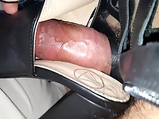 Cum in black block heel