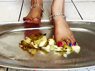who want to eat crushed fruit from Indian goddess feet
