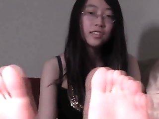 Asian feet 04